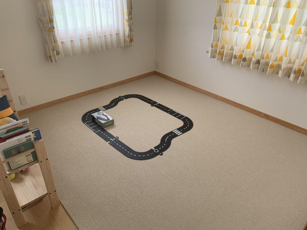 ハイウェイ24の側面に書かれていたコースを組んでみた時の部屋の様子を撮った画像です